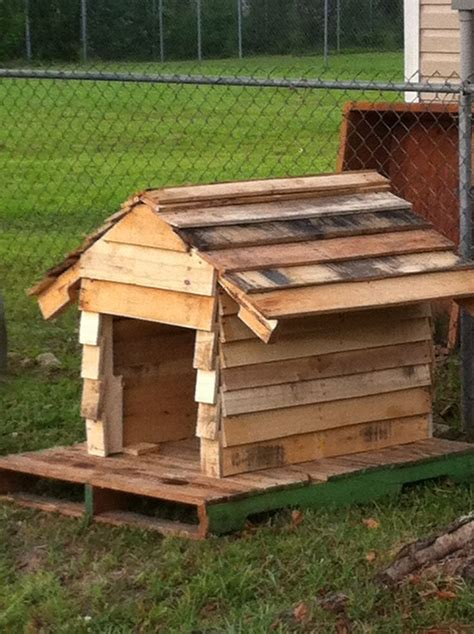 Dog House Made From Pallets Dog Pinterest