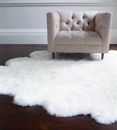 Cool White Bedroom Rug To Consider