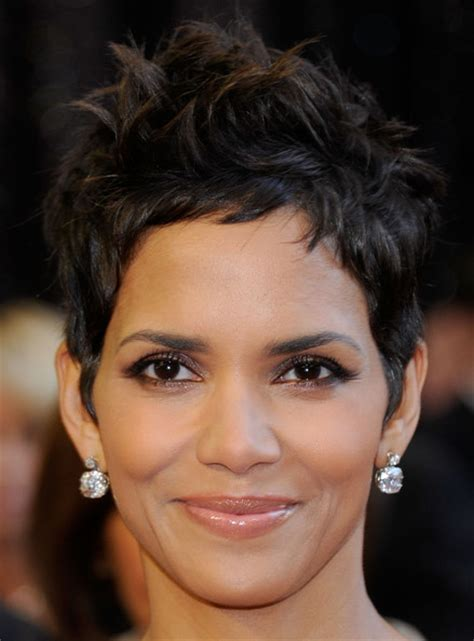 Halle Berry Hairstyles 2011 by Uu71usy Halle Berry 2011 Hairstyles