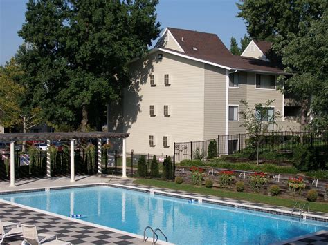 3 Bedroom Apartments St Louis by 3 Bedroom Apartments St Louis Mo Oakmont Townhomes Apartments St Louis Mo Walk Score The