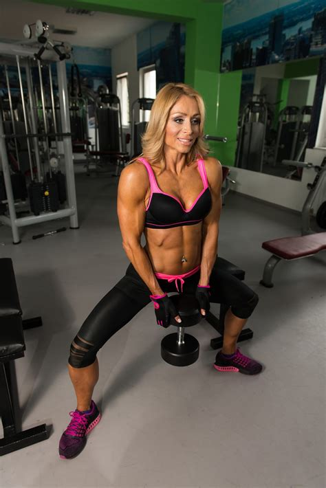 big booty exercises at gym 6 best exercises to build a bigger butt at home or at the