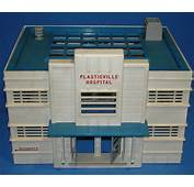 PLASTICVILLE USA VINTAGE O GAUGE TRAIN SCENERY WHITE