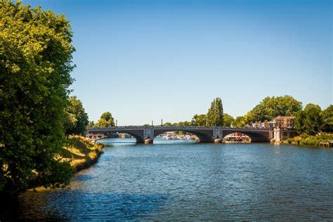 thames river boats kew gardens london city guide silverkris