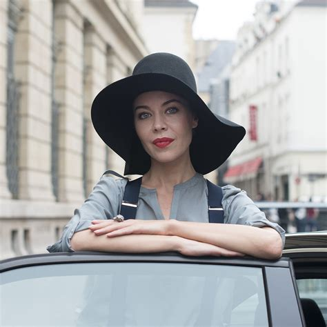 Hairstyles For Hats Hair by Hairstyles To Wear With A Hat Popsugar