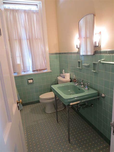 old coloured bathroom suites best 25 retro bathrooms ideas on pinterest retro