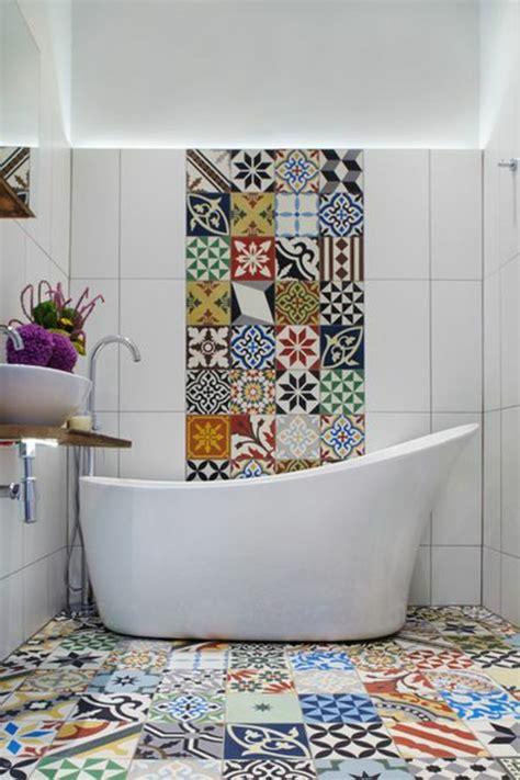 fliesenaufkleber toilette badezimmergestaltung wie sie ihr bad im mediterranen
