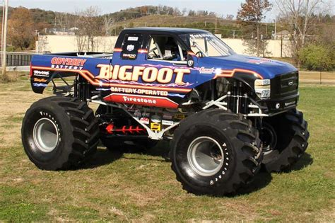 all bigfoot trucks truck bigfoot pixshark com images