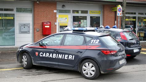 ufficio postale castelfranco emilia modena est rapina a mano armata all ufficio postale
