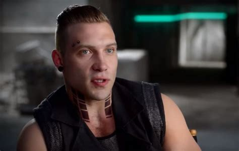 jai courtney tattoo the new kyle reese talks divergent terminator and