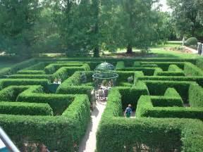 Definition Topiary - file hedge maze st louis botanical gardens st louis missouri june 2003 jpg wikimedia commons