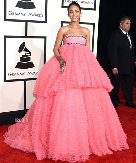 Catwalk To Carpet Grammy Awards by Rihanna In Giambattista Valli Couture 2015 Grammy Awards