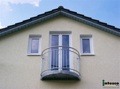 mini balkon mini balkon interesting mini balkon na parapecie with