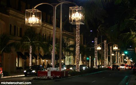 Christmas In Beverly Hills A Light Post For Nonreaders Rodeo Drive Lights
