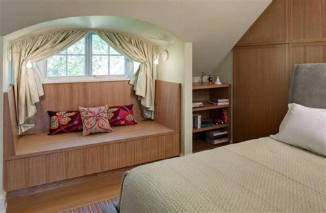 tips to make a small bedroom feel larger corner