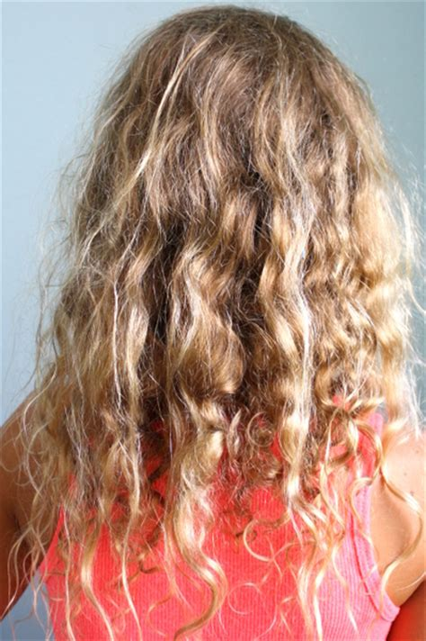 frizzy perm coconut oil coconut oil for dry frizzy curly hair