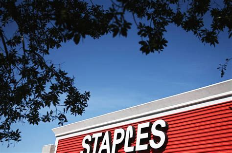bid to buy staples bid to buy essendant faces a fight barron s