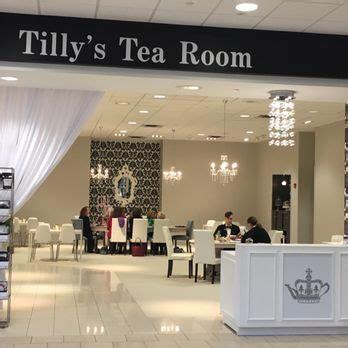 tea room indianapolis tilly s tea room 28 photos 11 reviews coffee tea shops 8701 keystone crossing fl 3