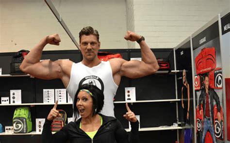 7 Foot Tall Bodybuilder
