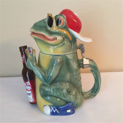 Budweiser Sketches Frogs