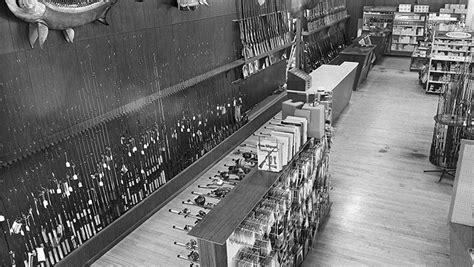 Cabela's Company History