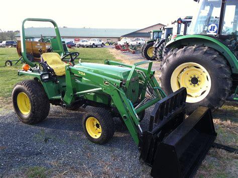 John Deere 855 Tractor