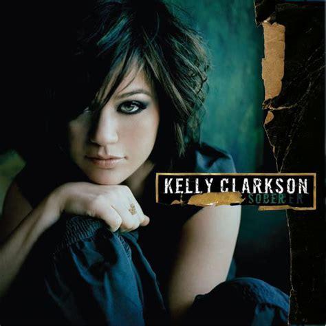 Kelly Clarkson Sober