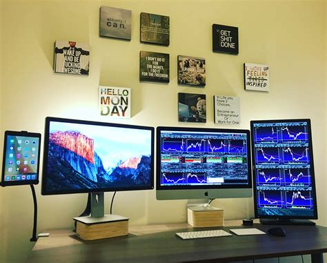 Stock Trader with Multiple Monitors
