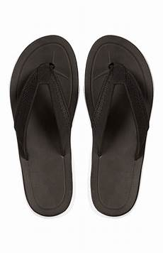 flip flop online shop a dazzling black sport flip flop is available at primark store