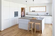 Küche Mit Speisekammer - integrierte speisekammer skandinavisch k 252 che