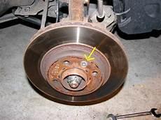 changer disque de frein clio 3 changement disques plaquettes sur clio ii ph2