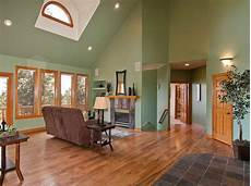 Decorating Ideas For Vaulted Ceiling Living Rooms by Pin On Decorating Ideas