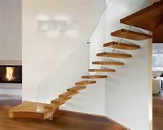 corrimano per scale interne in legno scale interne moderne in legno con ringhiere per scale