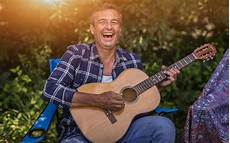 guitar and singing the guitar with osteoarthritis in the wrist or