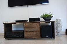 meuble tv atelier meubles tv fait avec de bois de palette meubles et rangements par atelier quatrecoeurs