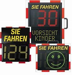 sie fahren 50 kmh viasis geschwindigkeitsdisplays via traffic controlling gmbh