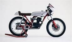 Honda 50 Cafe Racer honda cb50 cafe racer by herencia custom garage bikebound