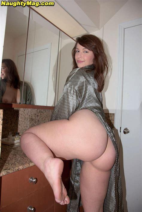 Curvy Mature Stockings