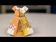 geldscheine falten hochzeit geldgeschenke hochzeit kleid aus geldschein falten