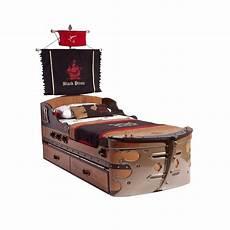 kinderbett piratenschiff einzelbett in form eines piratenschiffs mit erh 246 hter flagge
