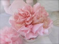 fiori in tessuto tutorial beautiful and easy singed melted fabric flower tutorial