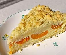 aprikosenkuchen mit streusel saftiger k 228 sekuchen mit aprikosen und streuseln rezept