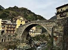 Ponte Romano Di Pont Martin Guida Turistica Valle