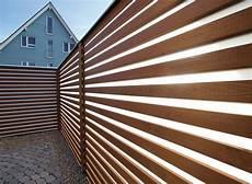 Sicht Und Schallschutz Im Garten - sichtschutz schallschutz terrassen holz timbertech wpc