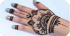 Gambar Cara Melukis Henna Di Tangan Balehenna