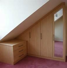 armoire sous comble 1001 id 233 e pour un dressing sous pente gain de place