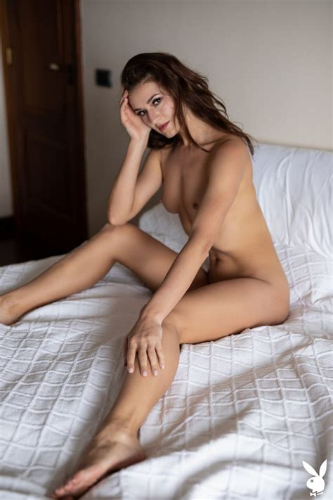 Bonnie Aarons Nude
