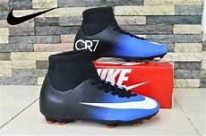 Gambar Sepatu Sepak Bola Nike Gambar Sepatu