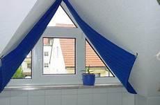 Schräge Fenster Verdunkeln - vorh 228 nge an giebelfenster gl 252 ck raumausstattung dresden