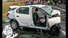 Dacia Renault Logan And Sandero Crash Compilation 2017