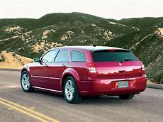 how does cars work 2005 dodge magnum auto manual dodge magnum rt rear angle 2005 1600x1200 8 of 21